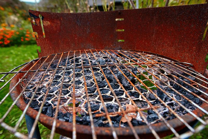 how to keep gas grill from rusting